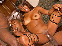 ebony bisexuals have a threesome