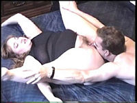 Hung dude eats his obese girlfriend's juicy snatch