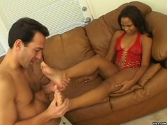Hot ebony hungry for creamy cum on her toes