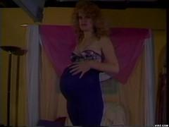 Pregnant chick loves having her pussy eaten