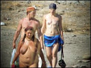 Go 2 Nudist' Beach
