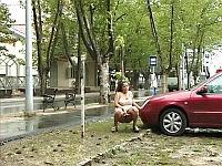 girls pissing outdoor